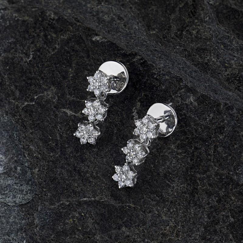 Пусеты из белого золота с бриллиантами э0901пс02190800 (фото 4)