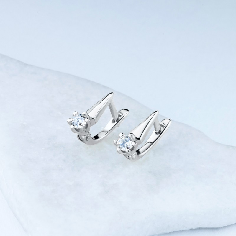 Серьги из белого золота с бриллиантом э0901сг04210204 (фото 4)