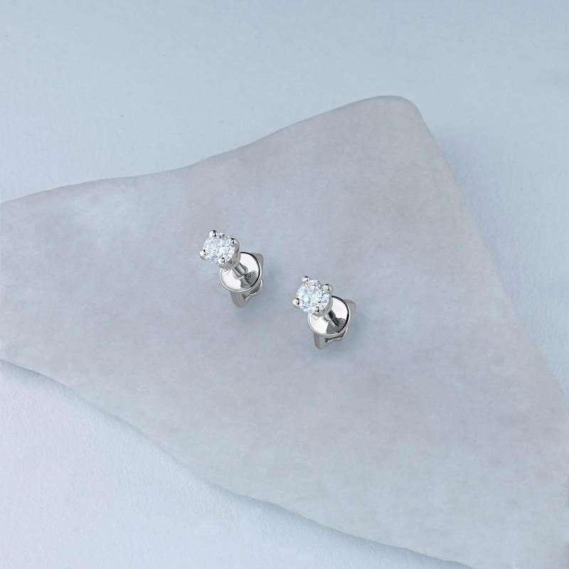 Пусеты из белого золота с бриллиантом э0901пс04202989 (фото 4)
