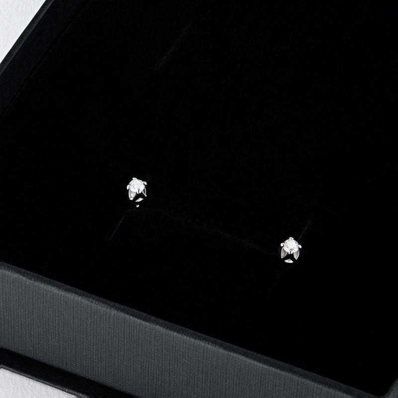 Пусеты из белого золота с бриллиантом э0901пс04203094 (фото 4)